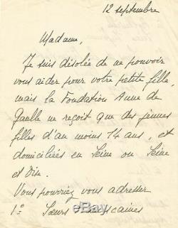 Yvonne de GAULLE Lettre autographe signée sur la Fondation Anne de Gaulle